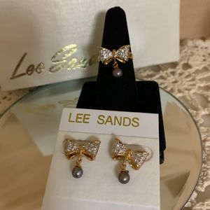 NWT Vintage Lee sands Bow Jewelry set.